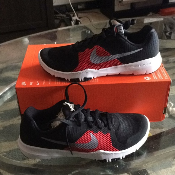 77dd570d0f0d New nike flex tr control boys running sneakers